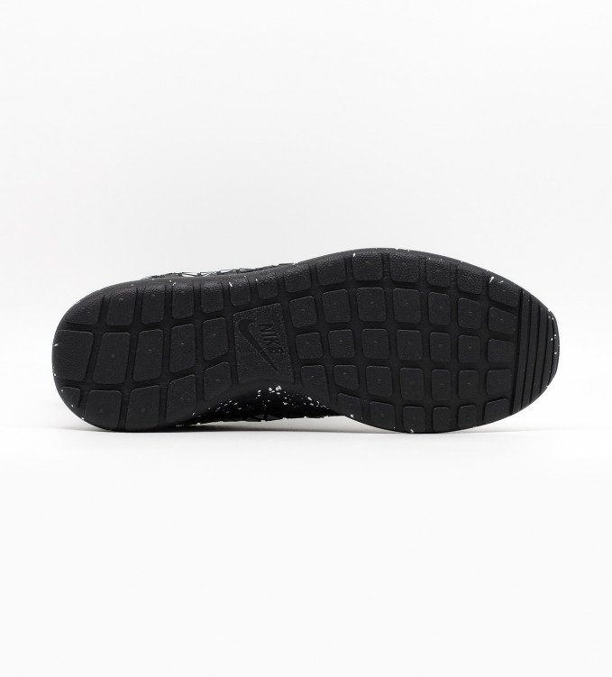 Nike Roshe Metric