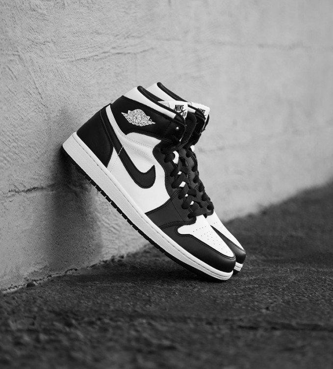Nike Air Jordan 1 Black-White